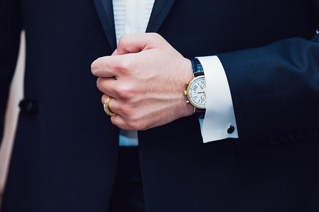 Come vestirsi ad un matrimonio per lui